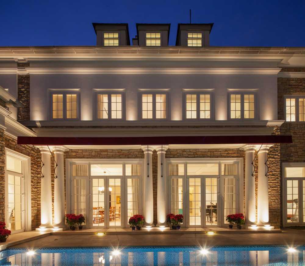 Foto inspirasi ide desain kolam klasik Swimming pool oleh Monoarch di Arsitag