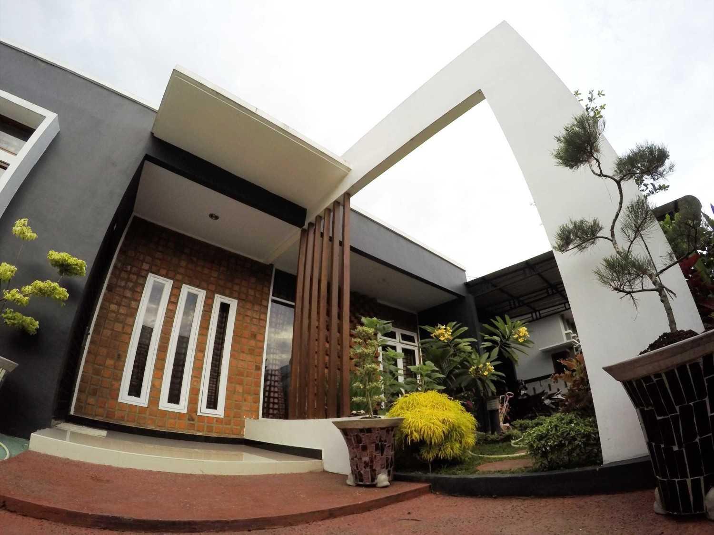 Studio Mifanolu Bobby House Medan Medan Gopr8391 Tropis 21964