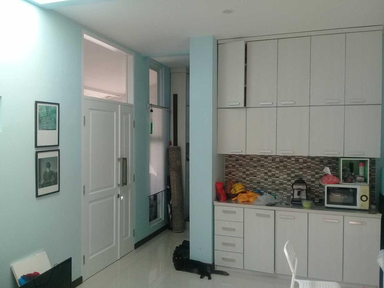Rqt8 Compact House Jakarta Jakarta Pantry Modern 28327