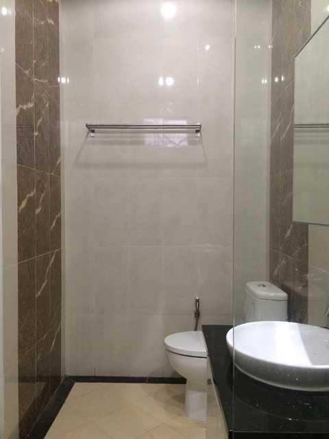 Erik Esdras Rawa Kepa House Jl Rawa Kepa I, No 614, Tomang Jl Rawa Kepa I, No 614, Tomang Bathroom Modern 25027