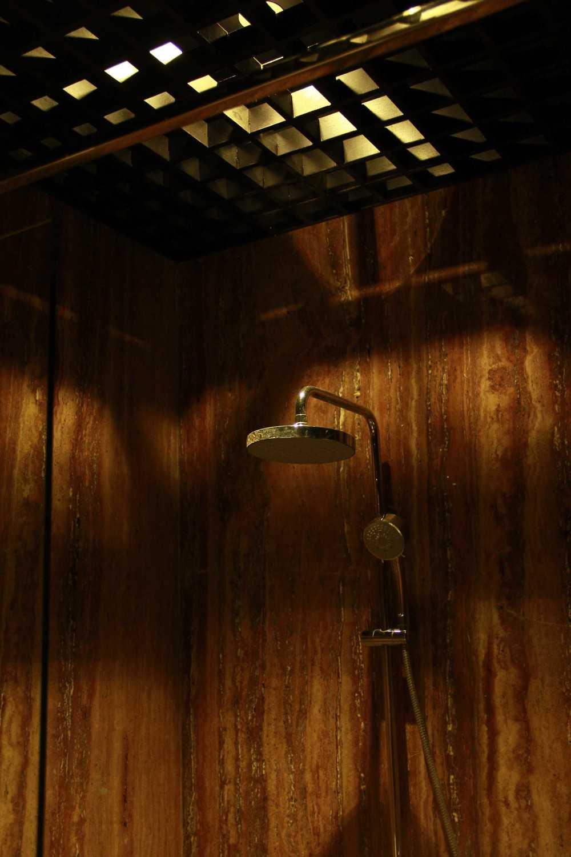 Dimas Andrea 2Br Unit - Residence 8 Jakarta Selatan Jakarta Selatan Bathroom Modern 23675