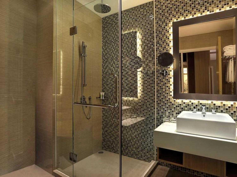 Foto inspirasi ide desain kamar mandi tropis Bathroom oleh Indra Gunadi di Arsitag