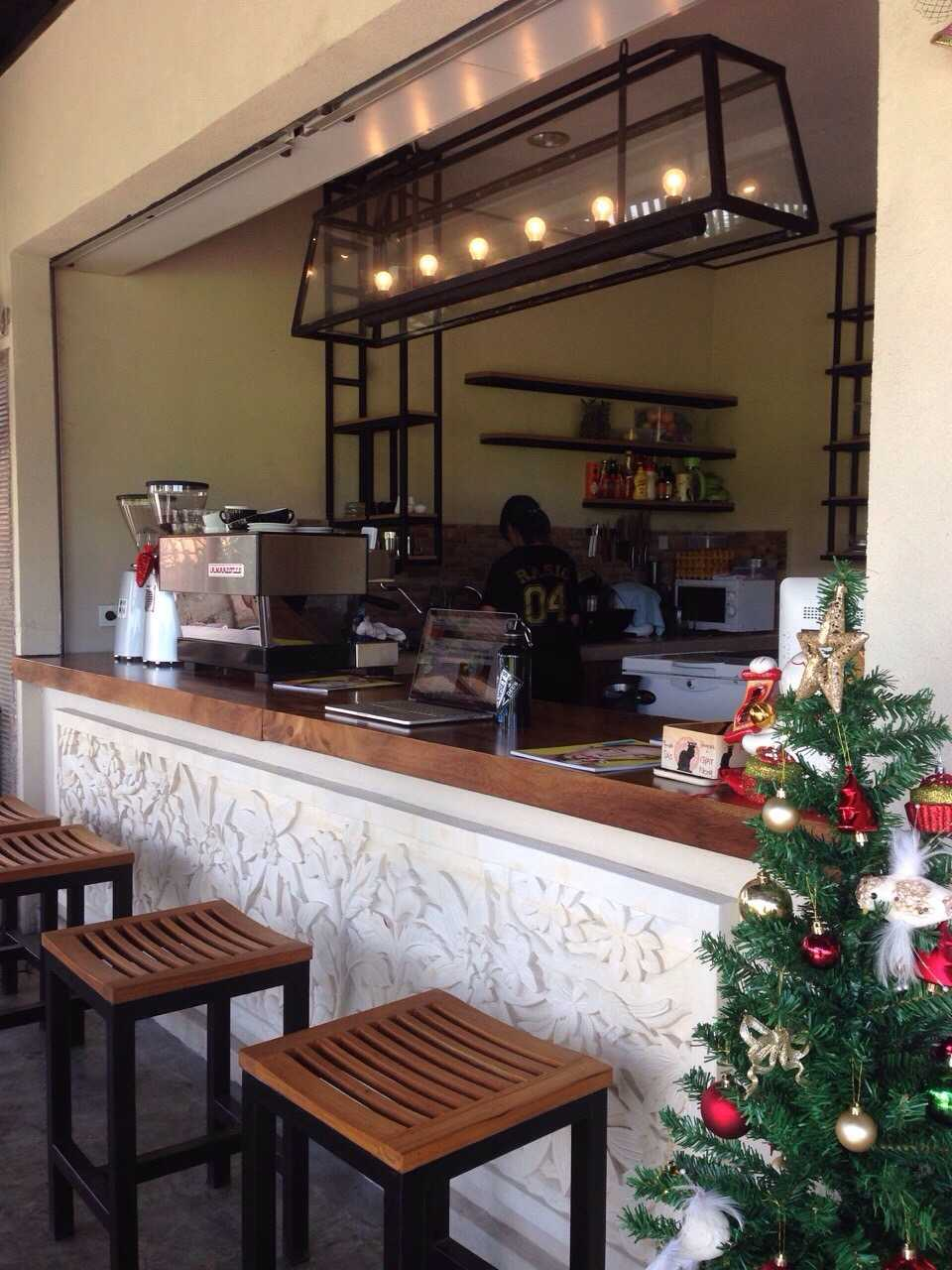 Erlyne Puspa Jayani Ciputra Rasio Coffee Bali Bali Bali Rasio-8  28646