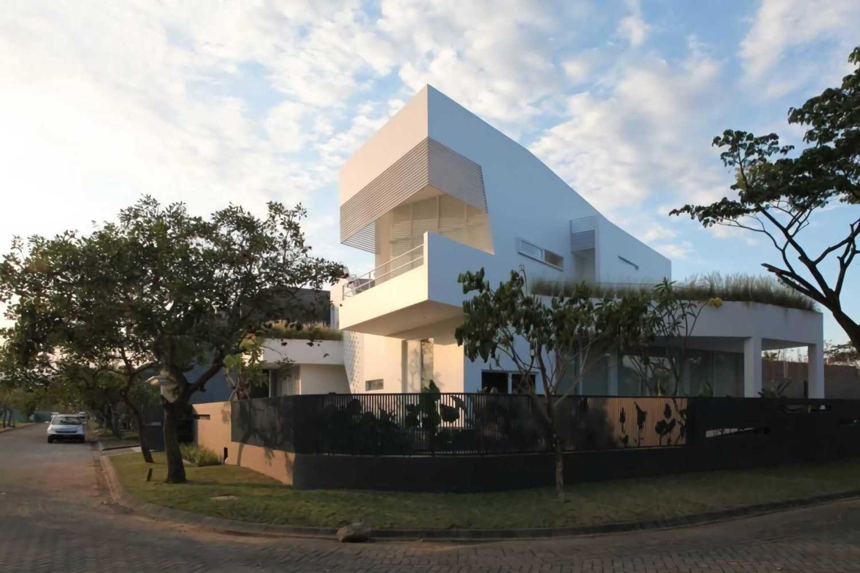 Jasa Arsitek IVAN PRIATMAN ARCHITECTURE di Jawa Timur