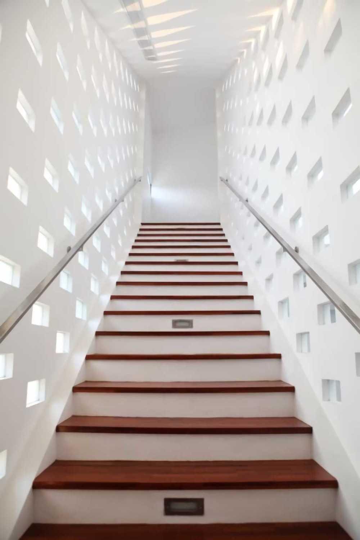Ivan Priatman Architecture Ipcw Residence Surabaya Surabaya Stairs Details  23756
