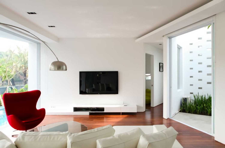 Ivan Priatman Architecture Ipcw Residence Surabaya Surabaya Living Room  23762