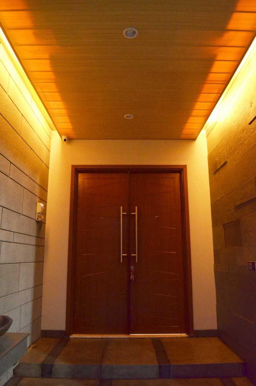 X3M Architects Nittaya A3 15 House Bsd Bsd Front Door  25323