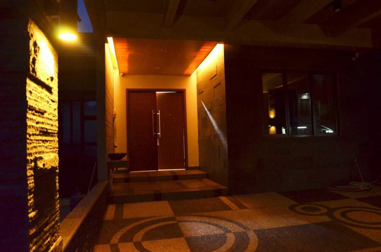 X3M Architects Nittaya A3 15 House Bsd Bsd Front Door  25326