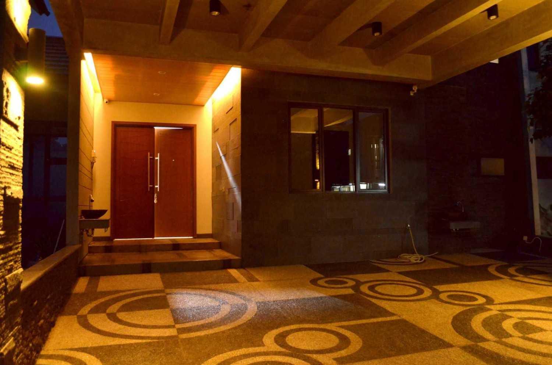 X3M Architects Nittaya A3 15 House Bsd Bsd Front Door  25328