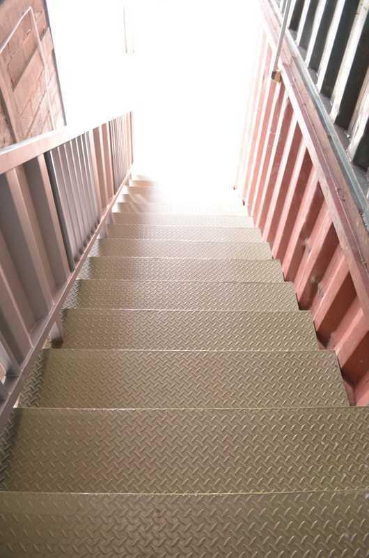 Foto inspirasi ide desain tangga industrial Dsc0577 oleh X3M ARCHITECTS di Arsitag