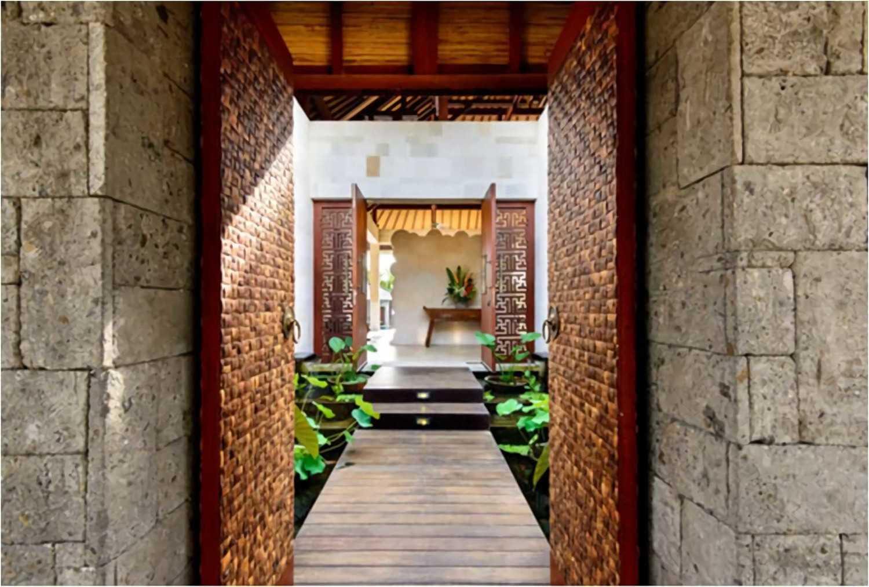 Hg Architects & Designers Associates Villa Saya Canggu, Bali Canggu, Bali Entrance  24257