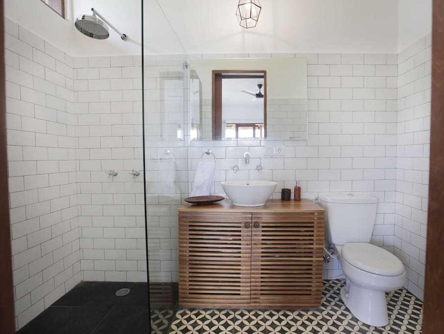 Hg Architects & Designers Associates Villa Pererenan Pererenan, Mengwi, Kabupaten Badung, Bali, Indonesia Pererenan, Mengwi, Kabupaten Badung, Bali, Indonesia Bathroom  48595