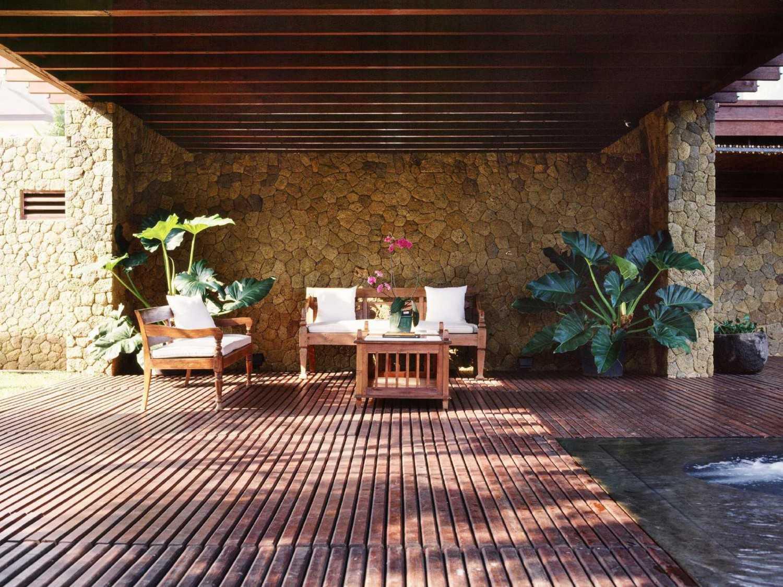 Studio Air Putih Ak_House Rancamaya, Bogor Rancamaya, Bogor Terrace Tradisional 25018