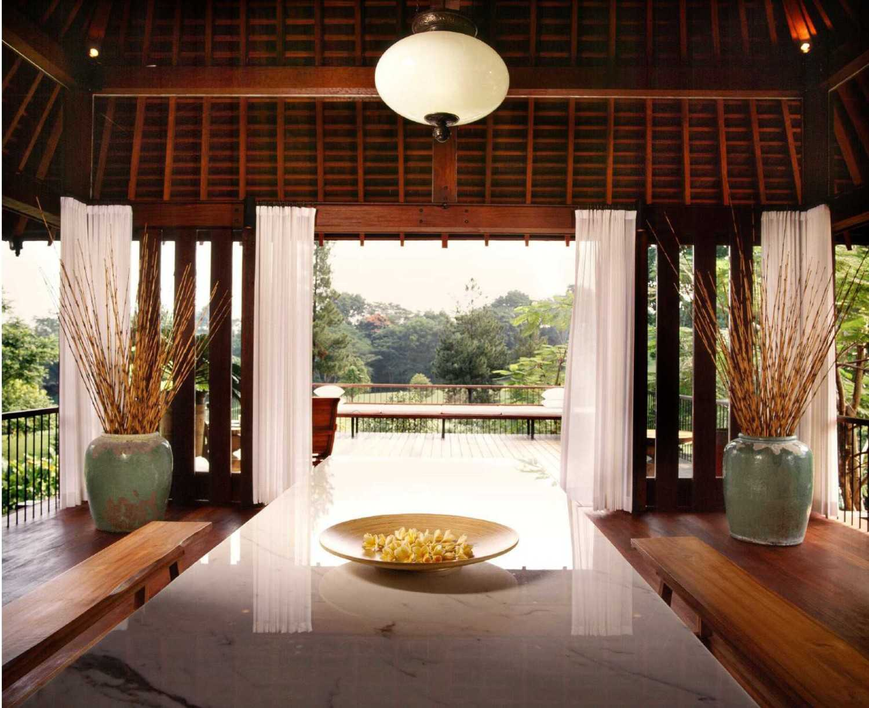 Studio Air Putih Ak_House Rancamaya, Bogor Rancamaya, Bogor Dining Room Tradisional 25019