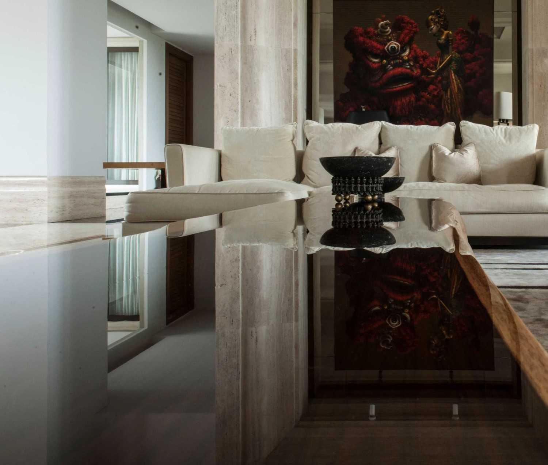 Studio Air Putih Dh_House Argopuro, Semarang Argopuro, Semarang Dining Room Klasik 25126
