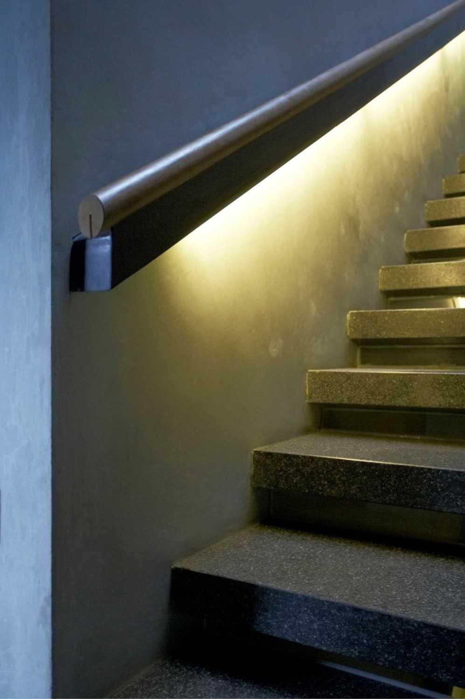 Studio Air Putih W_House Tulodong, Jakarta Tulodong, Jakarta Stairs Details  25167