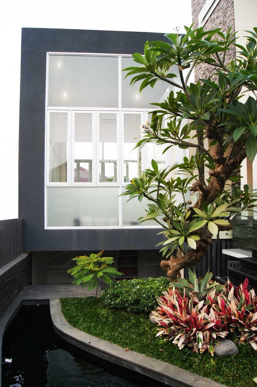 Dtarchitekt Pabuaran Resident Taman Pabuaran, Tangerang, Banten, Indonesia Taman Pabuaran, Tangerang, Banten, Indonesia Behind Garden View Gym Room  29892