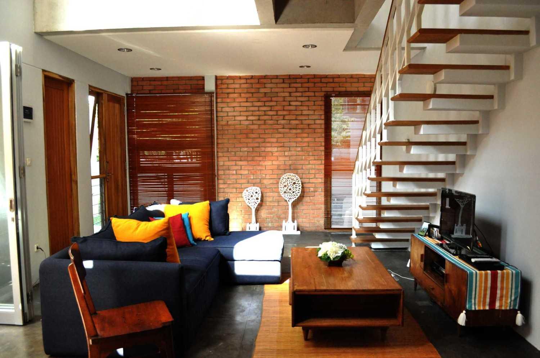 Imron Yusuf-Ifd Architects Brother House Jakarta, Indonesia  Dsc0088 Minimalis 34202