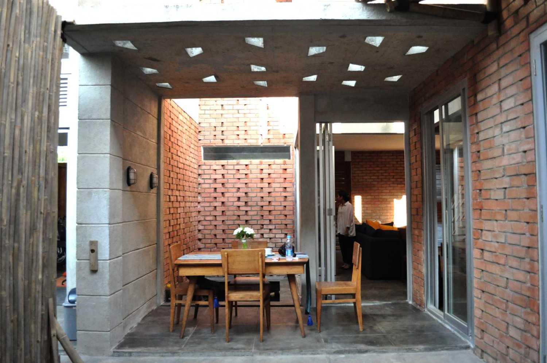 Imron Yusuf-Ifd Architects Brother House Jakarta, Indonesia  Dsc0152 Minimalis 34204