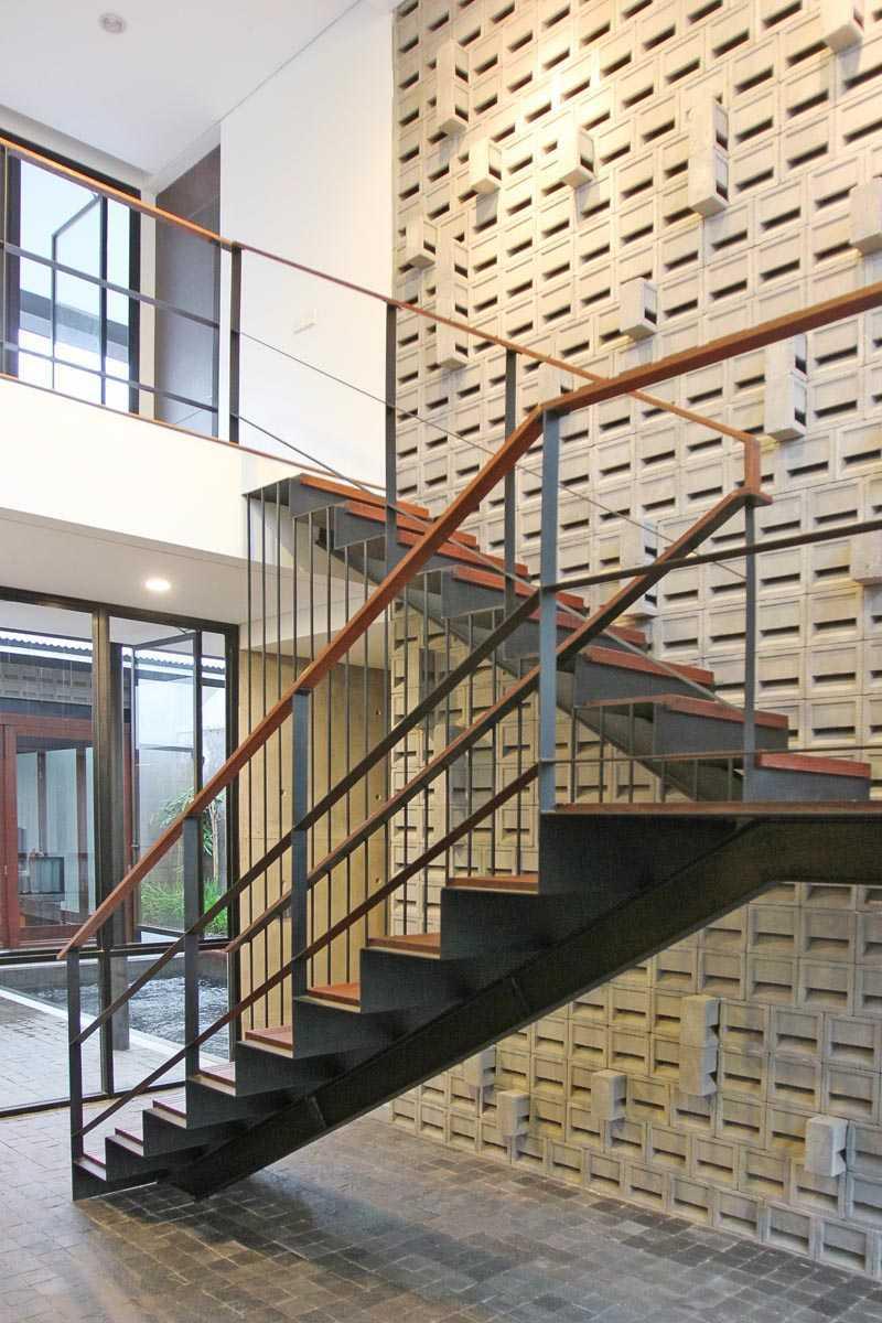 G+G Architect Studio H & I House Kota Wisata - Cibubur Kota Wisata - Cibubur Architecture-Cibubur-House-3 Industrial,wood 26937
