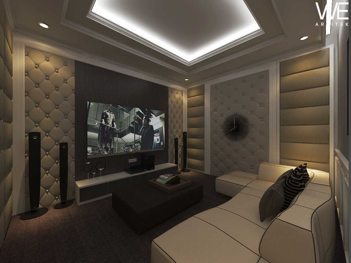 We Arsitek Jh's Residence - Classic Style Medan, Kota Medan, Sumatera Utara, Indonesia Medan, Kota Medan, Sumatera Utara, Indonesia Entertainment Room Klasik 45813