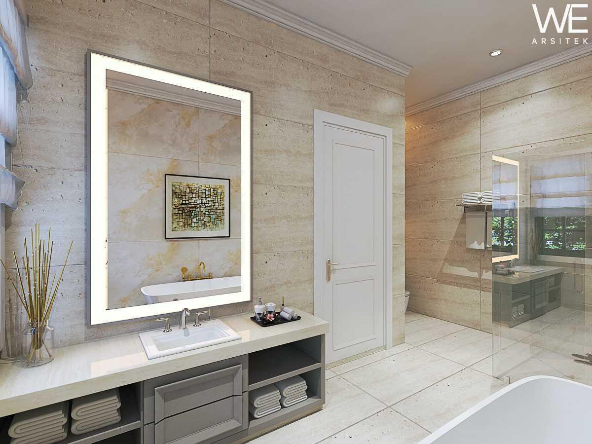We Arsitek Jh's Residence - Classic Style Medan, Kota Medan, Sumatera Utara, Indonesia Medan, Kota Medan, Sumatera Utara, Indonesia Bathroom Klasik 45816