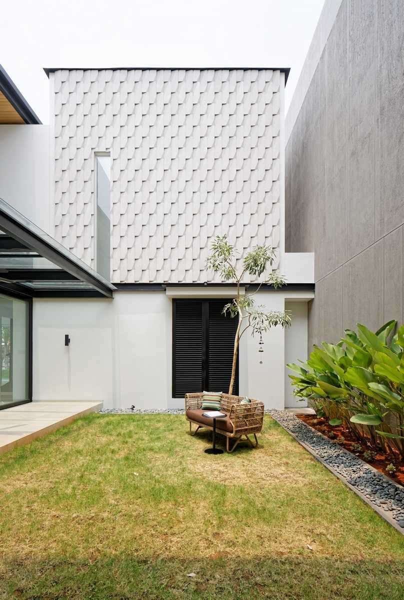 Axialstudio Rs House Alam Sutera - Tangerang Alam Sutera - Tangerang Courtyard Modern 29253