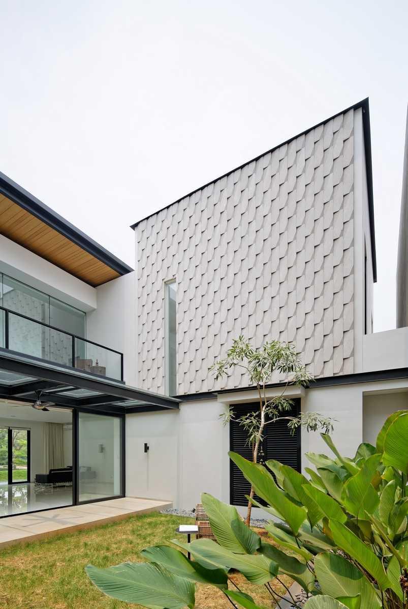 Axialstudio Rs House Alam Sutera - Tangerang Alam Sutera - Tangerang Backyard View Modern 29254