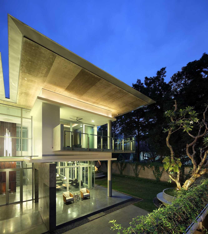 Irianto Purnomo Hadi Swiss Embassy  Jakarta, Indonesia Exterior View Modern 30238