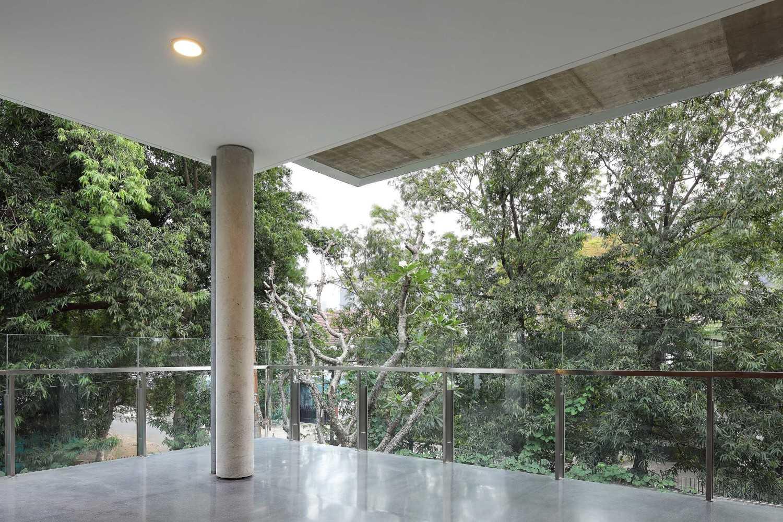 Irianto Purnomo Hadi Swiss Embassy  Jakarta, Indonesia Outdoor Ceiling Kontemporer 30266