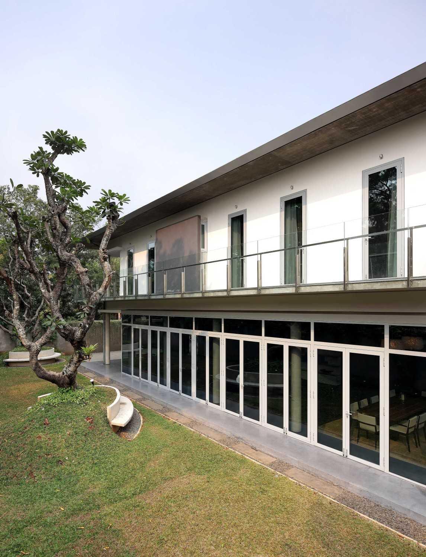 Irianto Purnomo Hadi Swiss Embassy  Jakarta, Indonesia Side View Kontemporer 30268