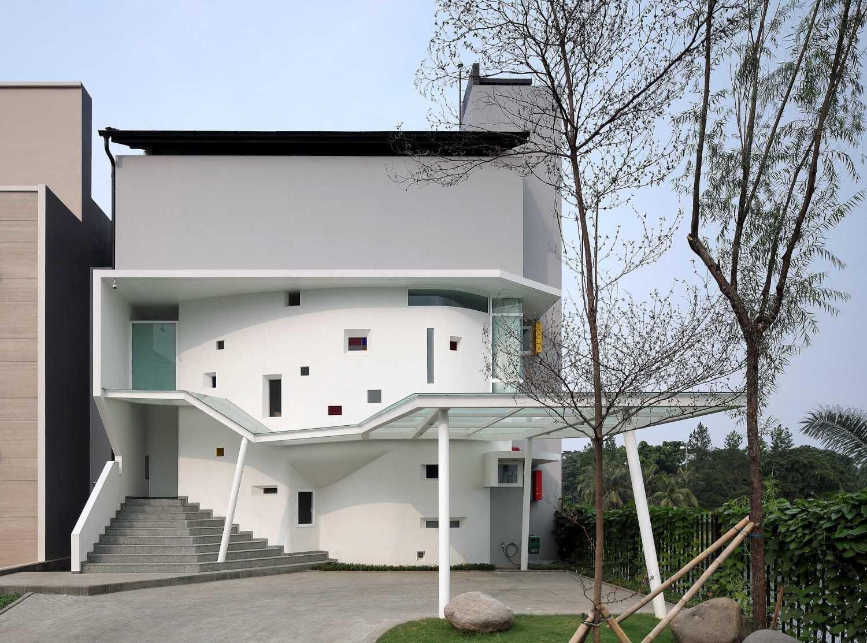 Irianto Purnomo Hadi Ss Residence  Gading Serpong, Jl. Boulevard Raya Gading Serpong, Klp. Dua, Tangerang, Banten 15810, Indonesia Back View Modern 30278