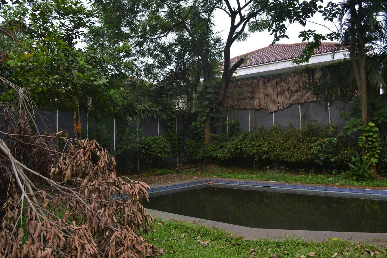 Foto inspirasi ide desain kolam asian Bangunan eksisting oleh Smarchdesign12 di Arsitag