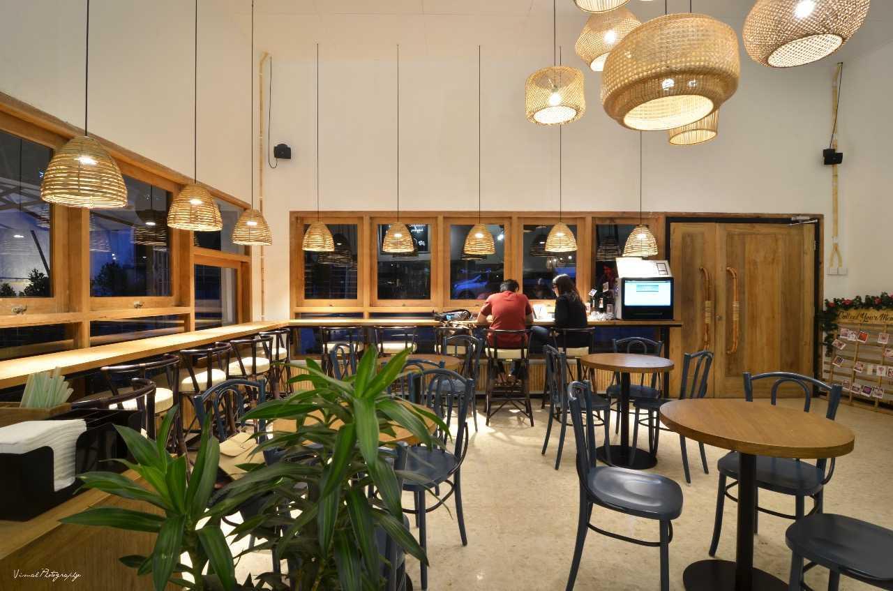 Saka Design Lab Makabana Creative Space & Coffee Shop Semarang, Kota Semarang, Jawa Tengah, Indonesia Semarang, Semarang City, Central Java, Indonesia Whatsapp-Image-2017-11-14-At-3  44682
