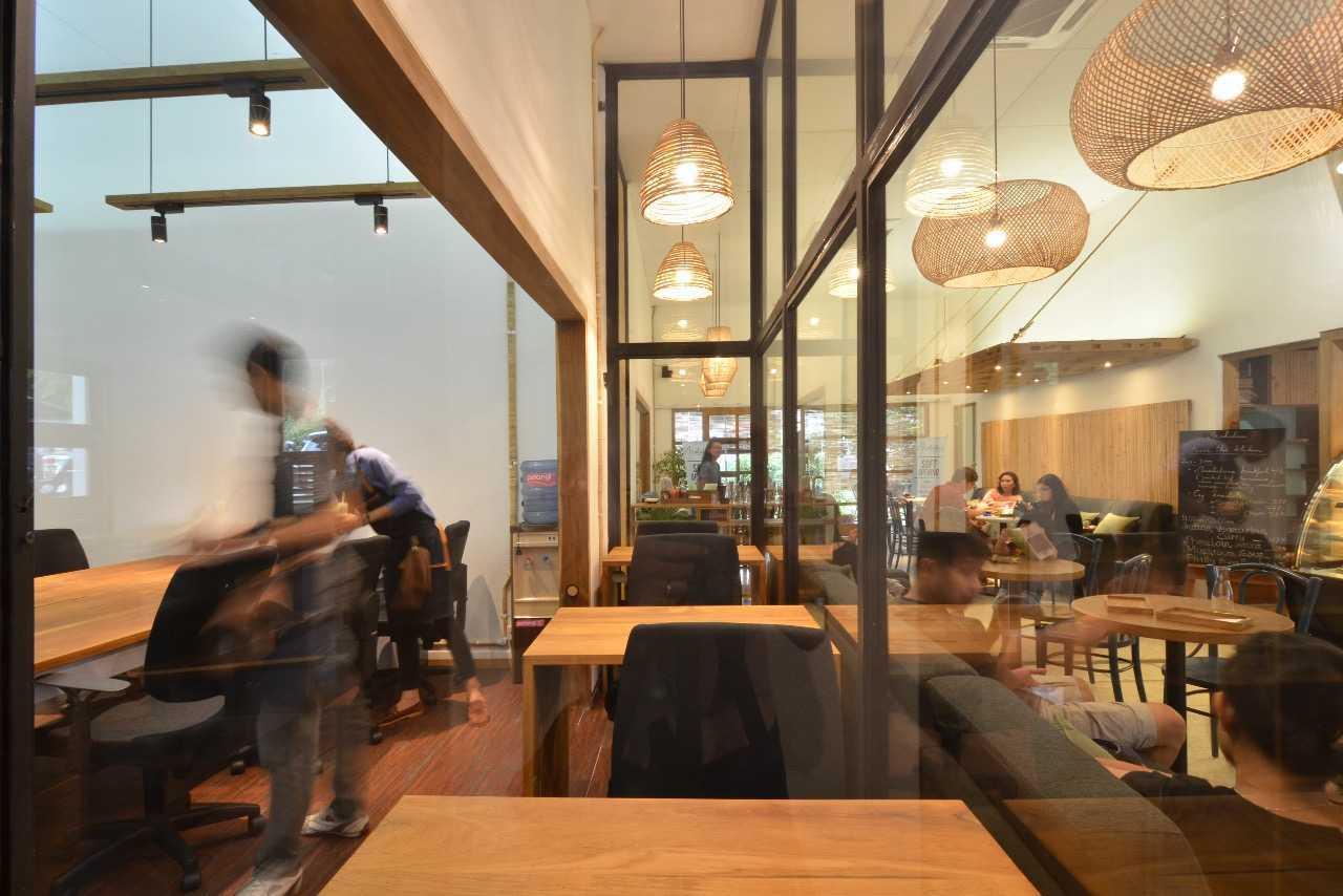 Saka Design Lab Makabana Creative Space & Coffee Shop Semarang, Kota Semarang, Jawa Tengah, Indonesia Semarang, Semarang City, Central Java, Indonesia Whatsapp-Image-2017-11-14-At-3  44696