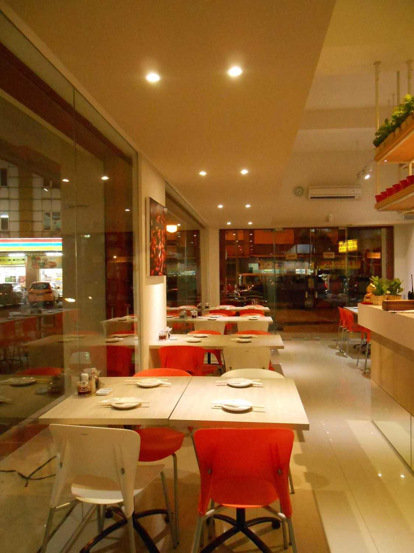 Studio Tektonik Resto Xian Feng Di Golden Boulevard, Jl. Raya Serpong, Lengkong Karya, Serpong Utara, Kota Tangerang Selatan, Banten 15310, Indonesia  014-Lr-2 Modern,asian 31683