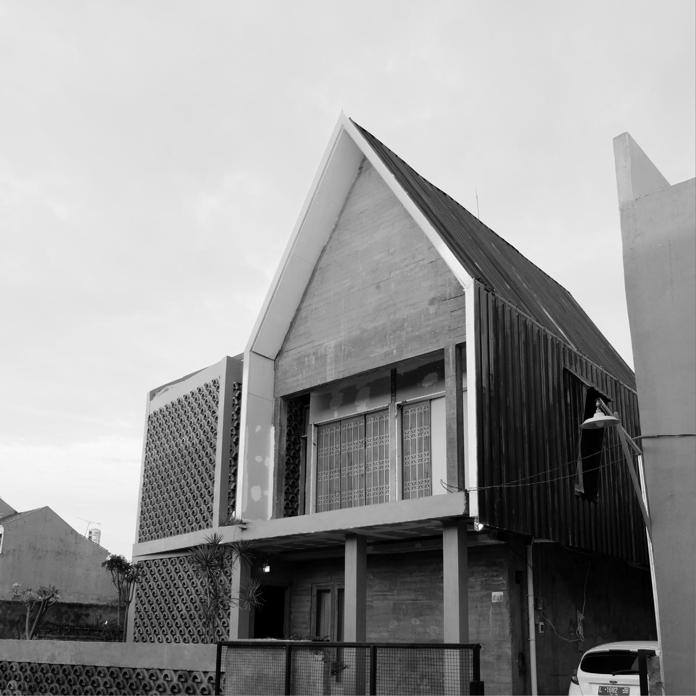 Birka Loci Wiyung House Surabaya City, East Java, Indonesia Surabaya City, East Java, Indonesia 12  31907