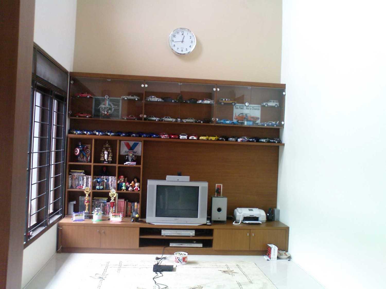 Ardiansyah Basha Da House  Bintaro, Pesanggrahan, South Jakarta City, Jakarta, Indonesia Bintaro, Pesanggrahan, South Jakarta City, Jakarta, Indonesia Living Room Minimalis 32366