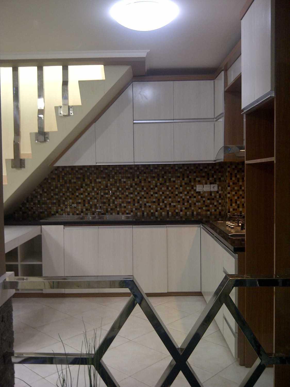 4 Sisi Indonesia Kitchen Set Bandung City, West Java, Indonesia  Img-20130513-00564  34531