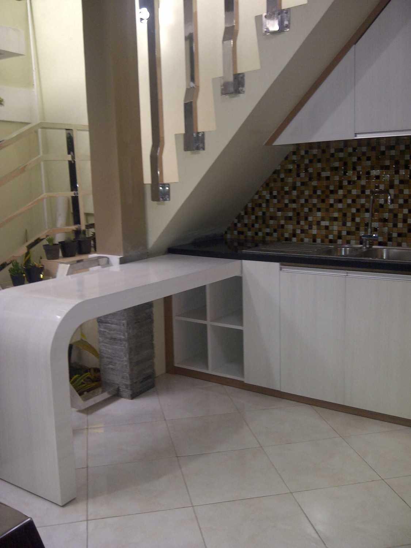 4 Sisi Indonesia Kitchen Set Bandung City, West Java, Indonesia  Img-20130513-00593  34537