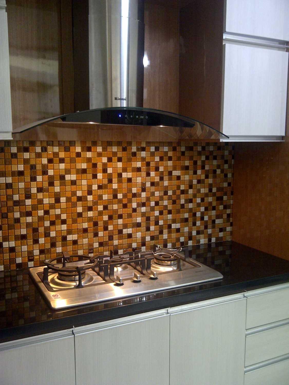 4 Sisi Indonesia Kitchen Set Bandung City, West Java, Indonesia  Img-20130513-00572  34545