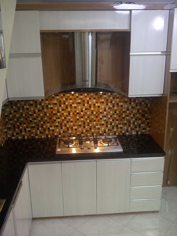 4 Sisi Indonesia Kitchen Set Bandung City, West Java, Indonesia  Img-20130513-00573  34546