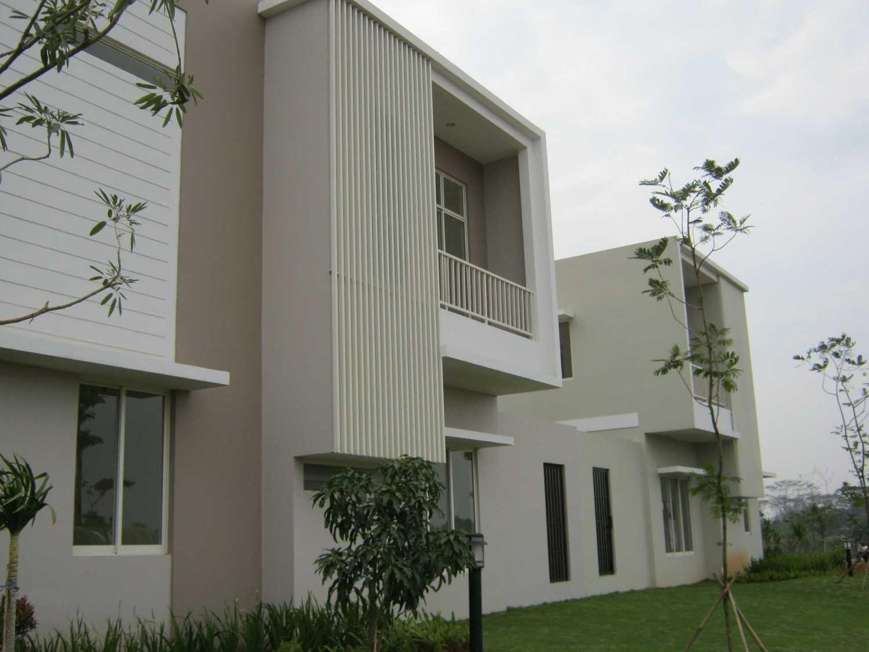 Krida Kencana Sakti Kontraktor Grisea Residential Projects Serpong, South Tangerang City, Banten, Indonesia  Img1163 Kontemporer 34286