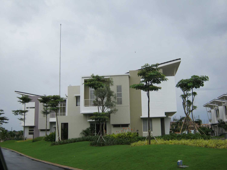 Krida Kencana Sakti Kontraktor Grisea Residential Projects Serpong, South Tangerang City, Banten, Indonesia  Img1410 Kontemporer 34287