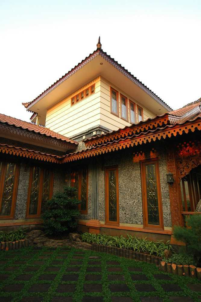 Triplus Homes Mt House Rempoa, Ciputat Tim., Kota Tangerang Selatan, Banten, Indonesia Rempoa, Ciputat Tim., Kota Tangerang Selatan, Banten, Indonesia Mt House - Exterior Asian 41363