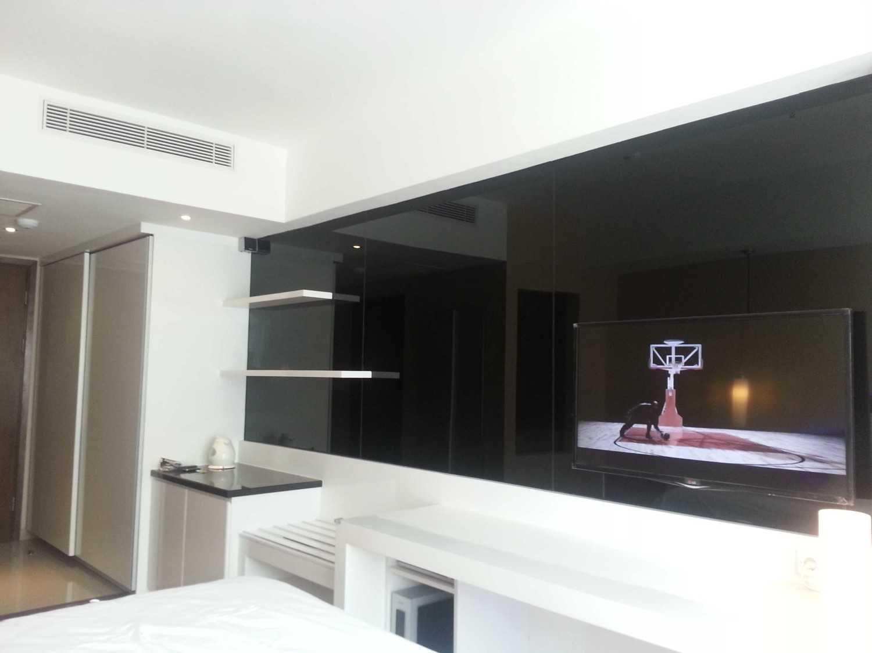 Foto inspirasi ide desain kamar tidur asian V3 oleh A N J A R S I T E K di Arsitag