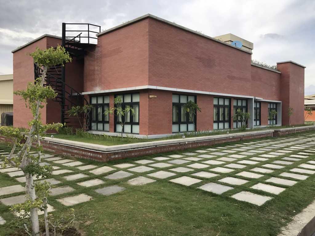 Ardea Architects Guest House - Pt.japfa Myo Thar, Myanmar (Burma) Myo Thar, Myanmar (Burma) Exterior Industrial 40401