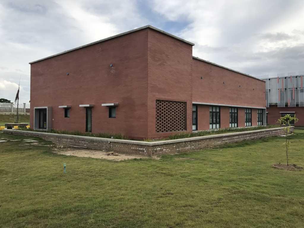 Ardea Architects Guest House - Pt.japfa Myo Thar, Myanmar (Burma) Myo Thar, Myanmar (Burma) Exterior Industrial 40403