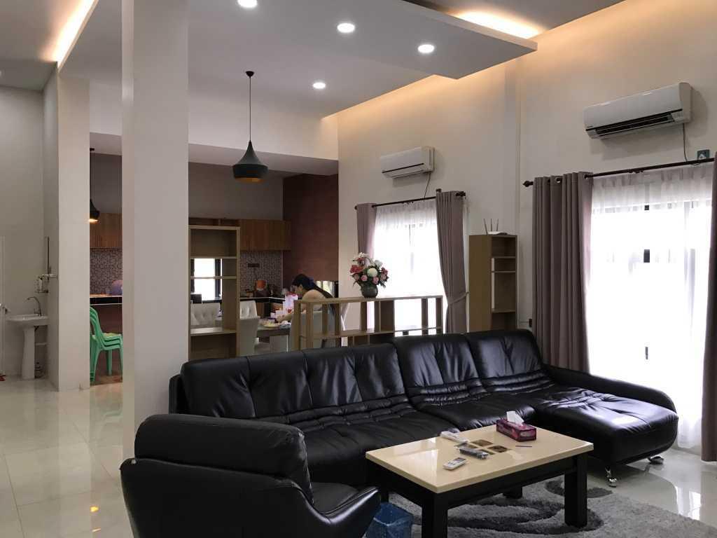 Ardea Architects Guest House - Pt.japfa Myo Thar, Myanmar (Burma) Myo Thar, Myanmar (Burma) Family Room Industrial 40409