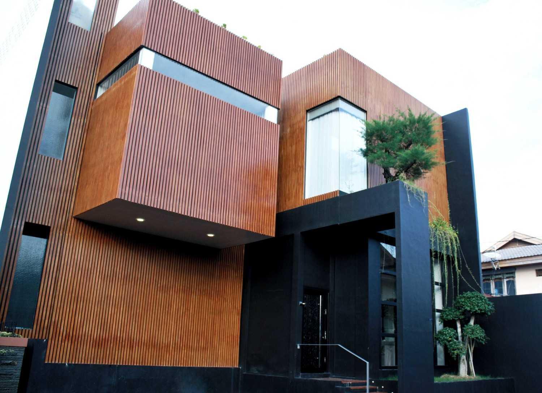 Padupadani Architect Martalena Green House Pontianak, Kota Pontianak, Kalimantan Barat, Indonesia Pontianak, Kota Pontianak, Kalimantan Barat, Indonesia Img1202-01  37647